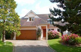 House Saint-nom-la-bretèche 270 m2, 5 bedrooms