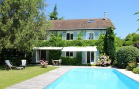 Maison Saint-nom-la-bretèche 8 pièce(s) 230 m2