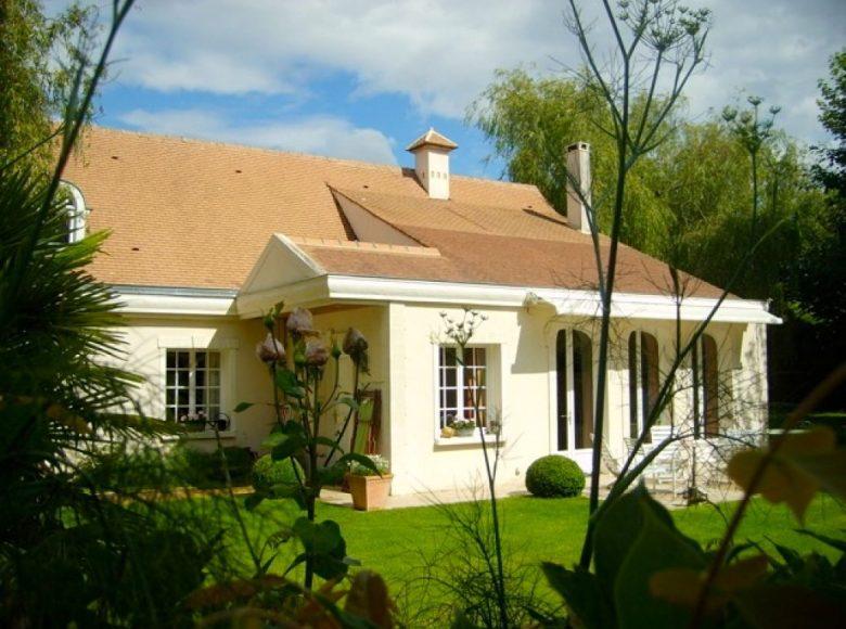 Villa Noisy Le Roi, 8 rooms, 180 m2