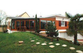 Maison de plein pied entièrement rénovée à Crespières