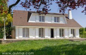 Maison Thiverval Grignon 7 pièce(s) 260 m2