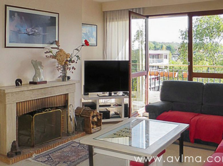 Apartment Noisy Le Roi 5 rooms 98,5m² with hobby room 22m²